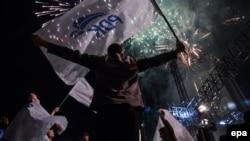 Mbështetësit e PDK-së duke festuar pas zgjedhjeve të 11 qershorit, foto ilustrim