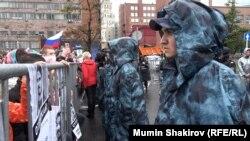 Полиция дежурит на проспекте Сахарова