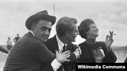 Marcello Mastroianni, Federico Fellini və Sophia Loren.