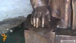 Բոլշևիկ Անաստաս Միկոյանի արձանը՝ ձուլարանում