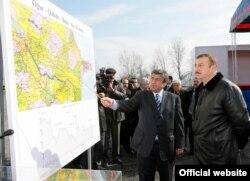 Президент Ильхам Алиев на церемонии начала строительства водопровода Огуз-Габала-Баку, 1 марта 2007