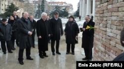 Predsjednici Sabora, Republike i Vlade odaju počast žrtvama Holokausta, 27.1. 2014.