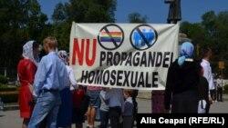 La un protest homofob la Chișinău