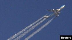 Самолет с пассажирами, взлетевший с лондонского аэропорта в Хитроу, 21 апреля 2010 года