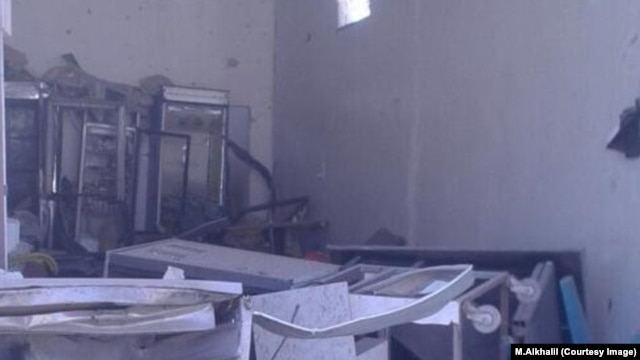 Разрушенная аптека в Идлибе