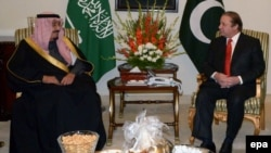 File photo of a meeting between Pakistani Prime Minister Nawaz Sharif and Saudi Crown Prince Salman bin Abdulaziz Al-Saud.