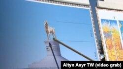 Altyn Asyr telekanyldan alnan surat. Aşgabatda türkmen alabaýynyň täze heýkeli dikiler.