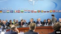 وزیران خارجه ناتو، رهبران اوکراین و افغانستان در بروکسل دیدار کردهاند