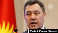Садыр Жапаров, премьер-министр, президенттин милдетин аткаруучу.