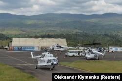 Українські вертольоти Мі-8 під прапором миротворчих сил ООН виконують місію зі стабілізації в тій африканській країні. Летовище Букаву, Конго, жовтень 2018 року