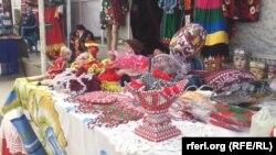 آرشیف، یک نمایشگاه صنایع دستی زنان در شهر مزار شریف