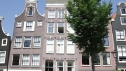 Культурная миграция: беженцы устраивают экскурсии по Амстердаму