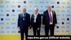 На полях саміту «Кримської платформи» відбулася тристороння зустріч міністрів енергетики України, Німеччини та США – Германа Галущенка, Петера Альтмаєра та Дженніфер Ґренголм, Київ, 23 серпня 2021 року