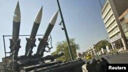 Российская зенитная установка Sam-6 на выставке в Тегеране, 25 сентября 2010