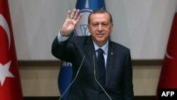 Реджеп Таїп Ердоган у штаб-квартирі владної Партії справедливості і розвитку, Анкара, Туреччина, 2 травня 2017 року