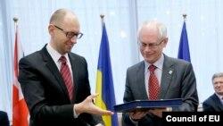 Арсеній Яценюк, Герман Ван Ромпей, архівне фото