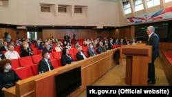 Российский глава Крыма Сергей Аксенов на заседании крымского парламента, 21 мая 2021 года