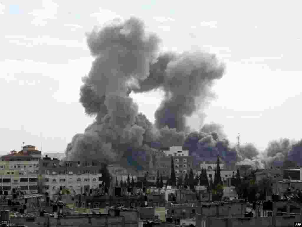 Авиаудар ВВС Израиля по Газе, вид из города Рафах, 27 декабря 2008.