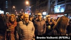 Akademik Dušan Teodorović i glumac Nikola Kojo na protestu u Kragujevcu