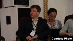 Майкл на форуме в Оше.