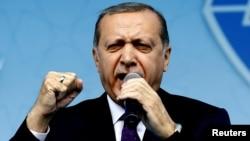 Թուրքիայի նախագահ Ռեջեփ Էրդողանը քարոզարշավի շրջանակում ելույթ է ունենում Կոնիայում, 14-ը ապրիլի, 2017թ․