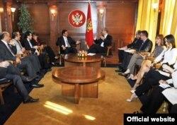 Delegacija Ujedinjenih Arapskih Emirata na razgovoru kod crnogorskog premijera Igora Lukšića, oktobar 2011