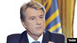 Віктор Ющенко під час виголошення телезвернення до українського народу. 13 серпня 2009 р.
