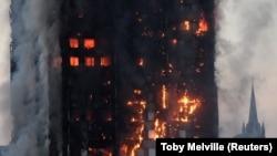 Londonda 24 mərtəbəli binada yanğın