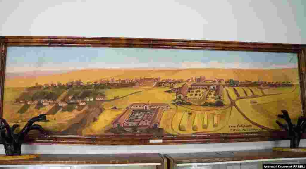 Так малу батьківщину зобразив на своїй картині самодіяльний художник у 1947 році. Полотно зберігається в музеї прикладного мистецтва у Скворцовому. Такий музей в Криму – єдиний. Його відкрили у старій сільській школі в 1979 році за ініціативи тодішнього директора радгоспу і художника-аматора Андрія Бєлоіванова