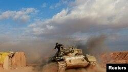 نیروهای شبه نظامی شیعه در منطقه مرزی قائم (عکس نوامبر ۲۰۱۹