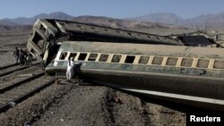 Պակիստան - Գծերից դուրս եկած գնացքը, Քուեթա, 17-ը նոյեմբերի, 2015թ․