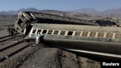 Авария на железной дороге в Пакистане. 17 ноября 2015 года.