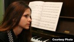 Дуња Иванова, пијанистка.