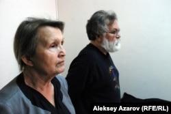 Представители истца, экологического общества «Зеленое спасение», на заседании суда по своему иску. Алматы, 11 марта 2016 года.