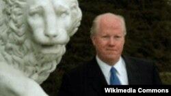 Окръжният съдия Майкъл Барет