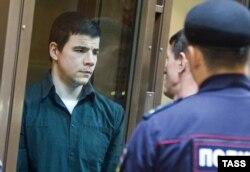 Никита Тихонов в суде. Сентябрь 2014 года
