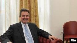 Aмбасадорот на Република Грција во Македонија, Харис Лалакос
