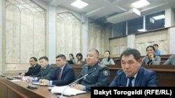 Представители правоохранительных органов на заседании депутатской комиссии. 31 января 2020 года.