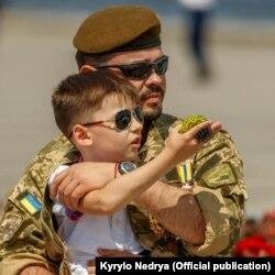 Кирило Недря з сином