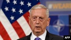 американскиот секретар за одбрана Џим Матис