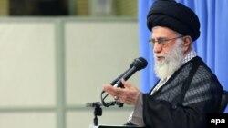 آیتالله خامنهای این سخنان را در دیدار با صدها نفر از «نخبگان و استعدادهای برتر علمی» ایران بیان کرده است.