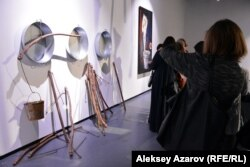 """""""Кір жуу"""" инсталляциясы."""