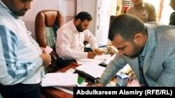 لجنة متابعة الحالات المستعصية بمجلس محافظة لبصرة تفرز طلبات المرضى