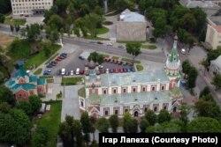 Каля Сьвята-Пакроўскага сабору на вуліцы Ажэшкі. Пачатак 2000-х гадоў