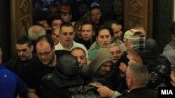 Демонстрантите упаднаа во Собранието на 27 април 2017