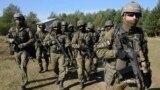 Militari polonezi la un exercițiu în orașul Yavoriv, Ucraina, 19 septembrie, 2014.