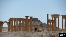 Russia says it is building a temporary army camp near the ancient Syrian historic site of Palmyra.