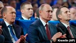 А. Бортников (ФСБ), В. Путин (Кремль), С. Нарышкин (СВР)