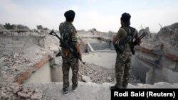 Бойцы Сирийских демократических сил (SDF).