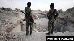 На снимке: бойцы Сирийских демократических сил